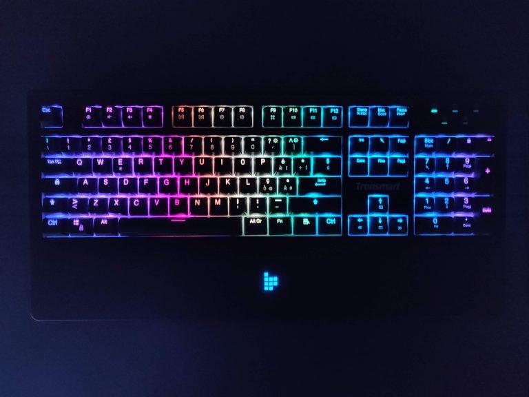 Обзор Tronsmart TK09R: идеальная механическая клавиатура с RGB-подсветкой для начального уровня